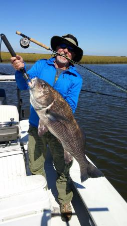 Port Sulphur, Luizjana: 26 lb black drum on fly fishing