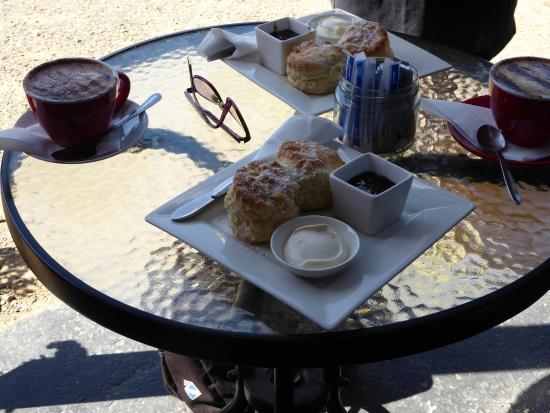 Adventure Bay, Australia: Scones with Berry Farm jam and cream and the necessary cappuccino!