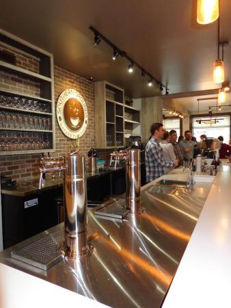 Neptune Beach, FL: Wine on draft system