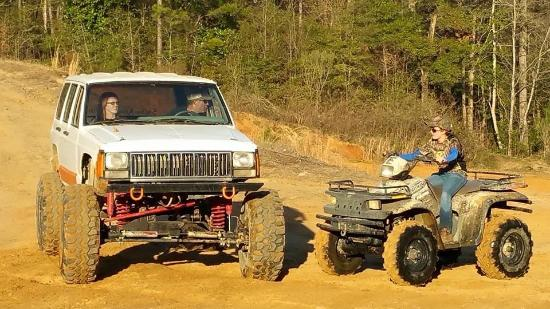 Chipley, FL: There are 4x4s and 4 wheelers all over the park lol. These are some of my friends.