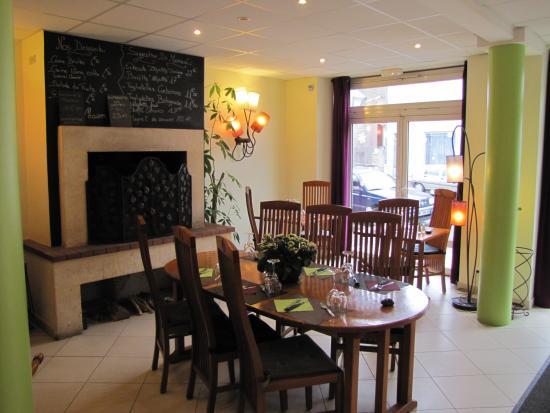 Langon, Fransa: un repas près de la cheminée