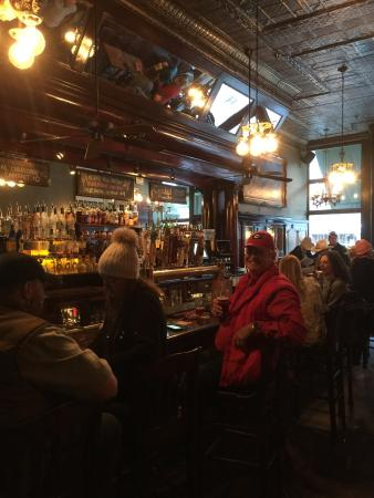 Telluride, CO: Great authentic old mining town bar, great selection of local brews