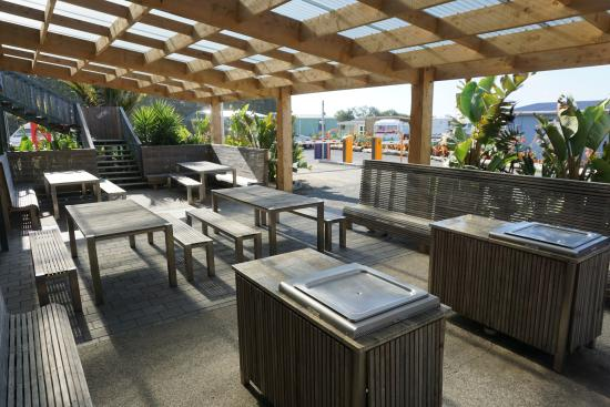 Opotiki, New Zealand: Covered BBQ area