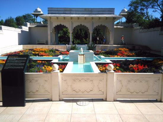 Hamilton, New Zealand: Indian Char Bagh Garden
