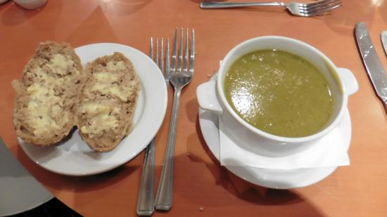 Bramhope, UK: Lovely soups and bread rolls