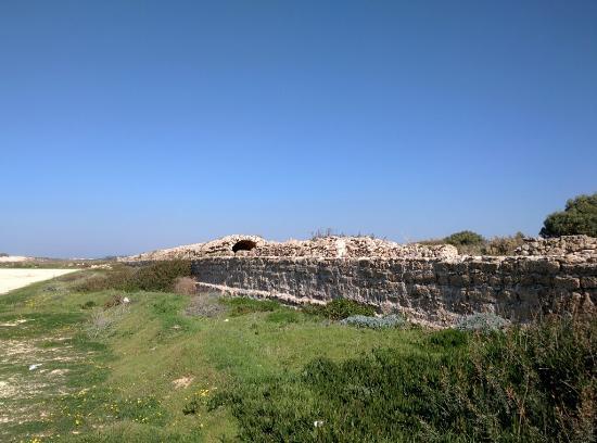 Aqueduct of Caesarea (Mei Kedem) : IMG_20160131_124445_large.jpg