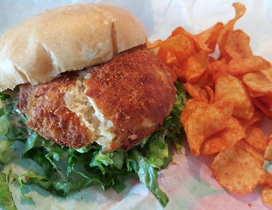 Shubee Shack : Crab Cake Sandwich