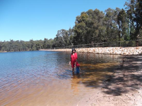 Mundaring, Австралия: Lake Leshenaultia