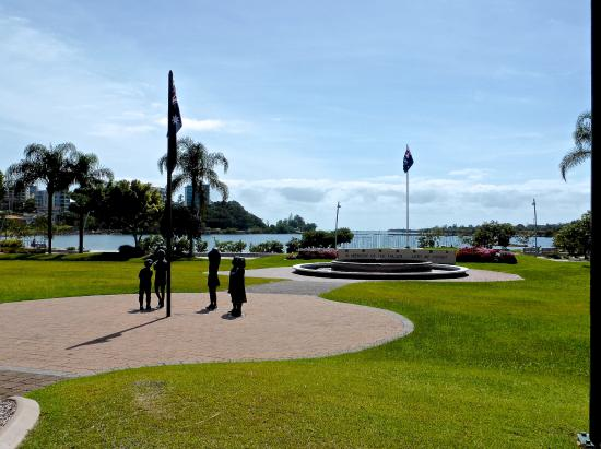 Tweed Heads, Australia: Chris Cunningham Park, Advance Australia Fair Monument & ANZAC Memorial Fountain