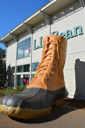 ‪‪Freeport‬, ‪Maine‬: L.L. Bean Factory Store‬