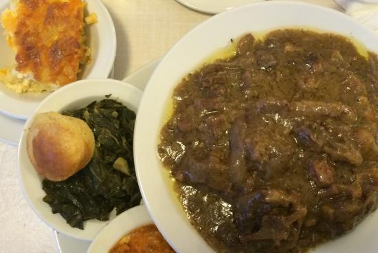 Ox tails, Mac & Cheese, Greens and a corn bread muffin - Picture ...