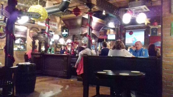Uma parte do dunnes irish pub picture of dunnes irish bar barcelona barcelona tripadvisor - Restaurant umo barcelona ...