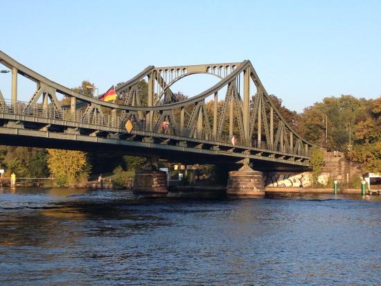 Potsdam le pont des espions - Photo de Visites Guidees Jean-Erick Guitard,  Berlin - Tripadvisor
