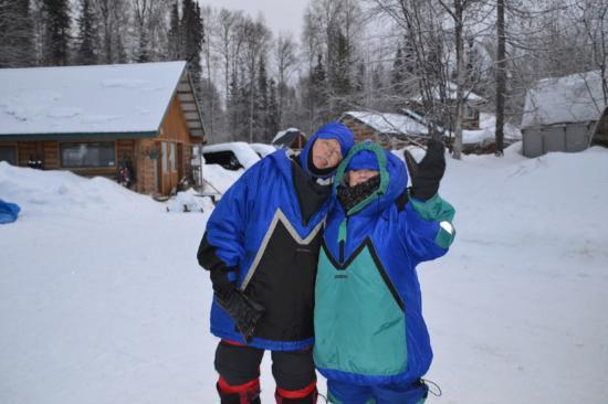 Talkeetna, Αλάσκα: Ready to take our Dog Sled/Snow Machine Ride!