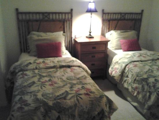 Aston Waikoloa Colony Villas: 2nd Bedroom
