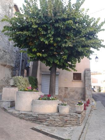 Autignac, فرنسا: Autignac Village