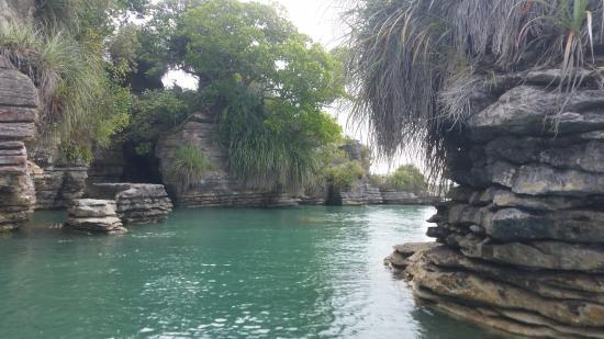 Raglan, Nueva Zelanda: Interesting rocks
