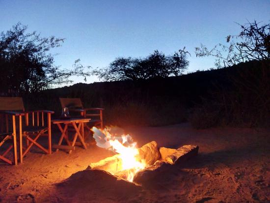 Suyian Soul : Nothing like a roaring fire to share a whiskey and some safari stories!