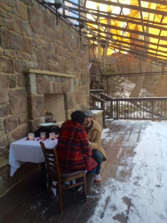 Chagrin Falls, OH: Mid proposal on Jekyll's beautiful patio!
