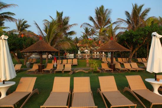 bersantai di tepi pantai picture of ayodya resort bali nusa dua rh tripadvisor ca