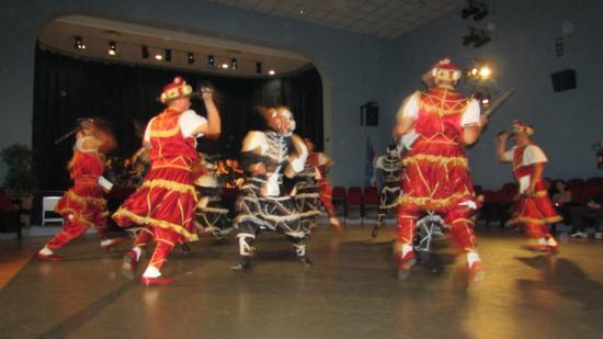 Korcula Town, Croazia: war dance
