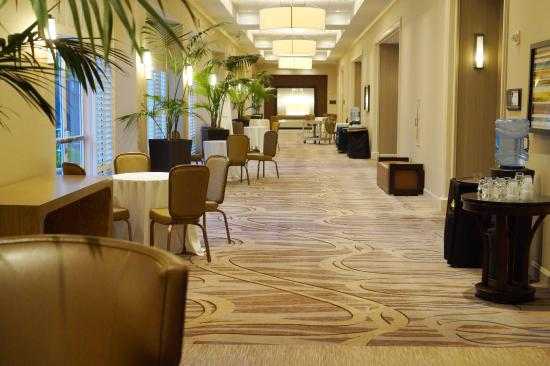 DoubleTree by Hilton Hotel San Diego - Mission Valley: Meeting Room Access