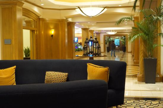 DoubleTree by Hilton Hotel San Diego - Mission Valley: Lobby