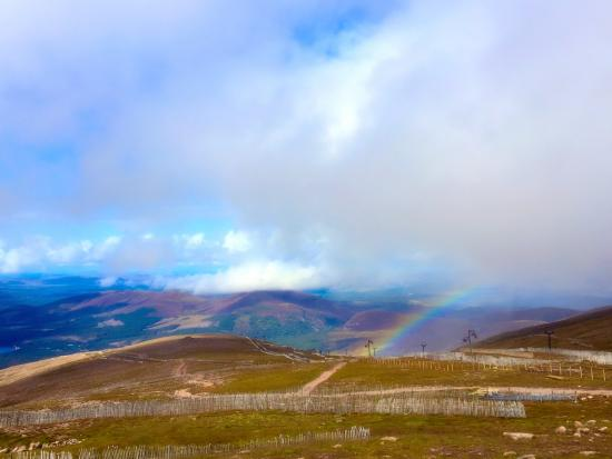 Aviemore, UK: Rainbow while at the top
