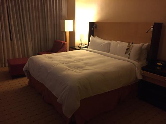 San Francisco Marriott Union Square: Très bon lit! L'hôtel est très bien situé.