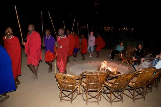 Kibo Safari Camp: Maasai Dance around the bonfire