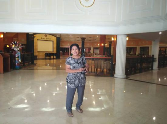 de Rivier Hotel: lobi