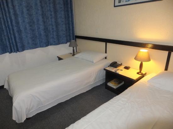 BEST WESTERN Hotel Le Paris : bed