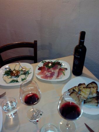 Rende, Italia: Antipasti e infine il dolce!