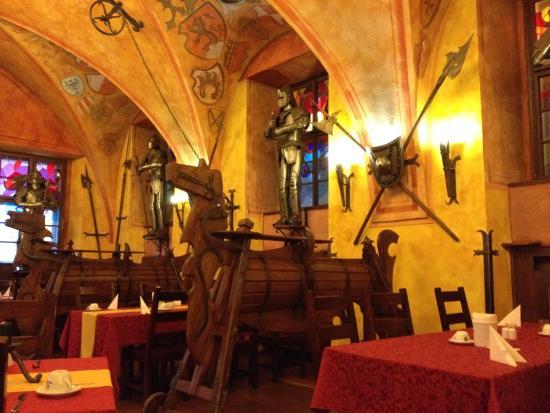 Kampa-Stara Zbrojnice: Ресторан