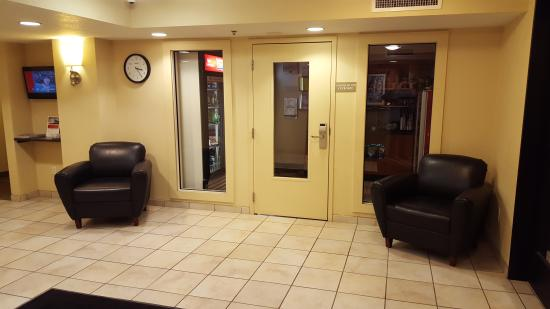 Candlewood Suites Indianapolis Dwtn Medical Dist: lobby