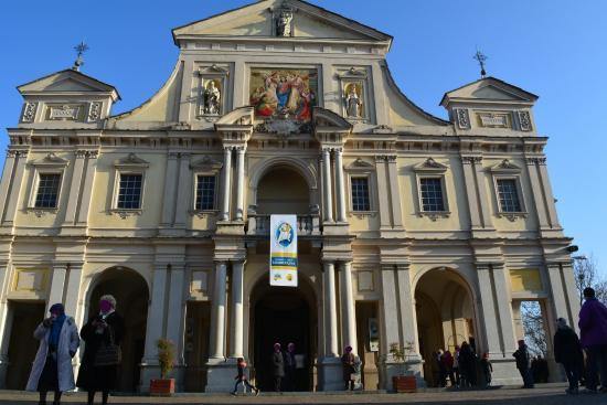 Serralunga di Crea, Italia: facciata