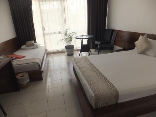 The Melanesian Port Vila: bed (room No. 209)