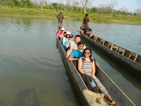Sauraha, Nepal: Type of Boat that are used