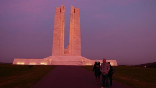 Vimy, Francia: mémorial au soir tombant
