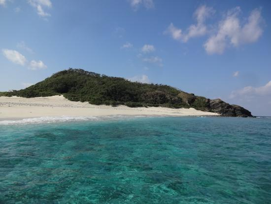 きれいな海ときれいな砂浜 - Picture of Zamami-jima Island, Zamami-son - TripAdvisor