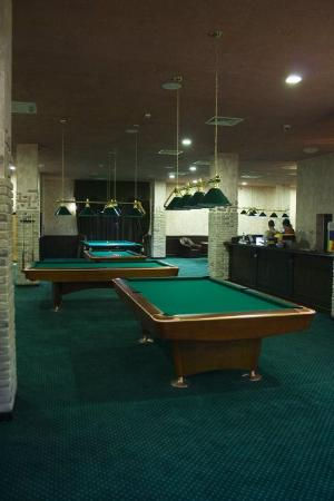 Camelot: Pool Table