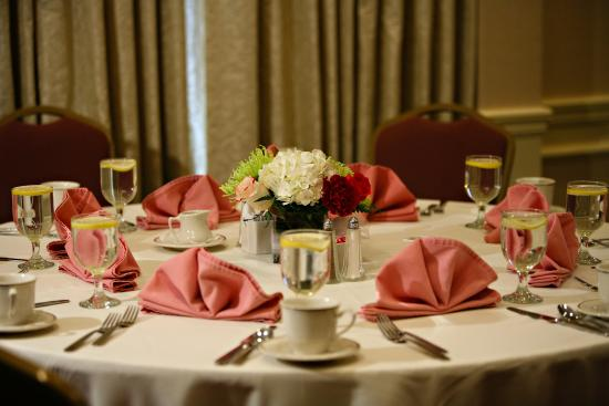 Chelmsford, MA: Banquet Table Setting