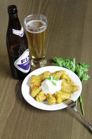 Kaliviani, اليونان: Cold beer with meze