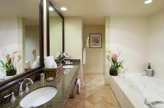 Campbell, Californie : Junior Suite Bathroom