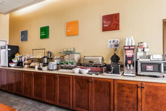 كومفورت إن آند سويتس سياتل: Breakfast