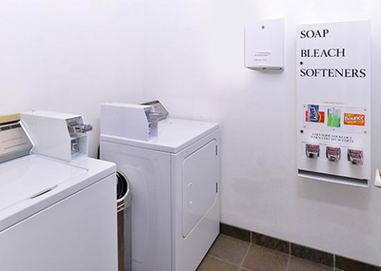 كومفورت إن آند سويتس سياتل: Laundry