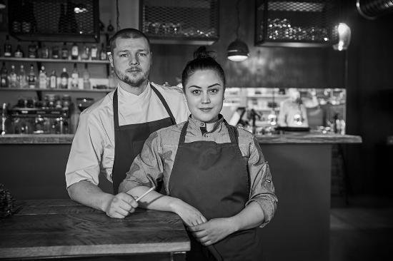 Hafnarfjordur, Islandia: VON mathús og bar