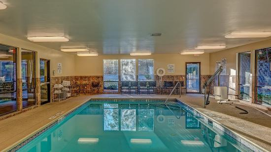 Canton, GA: Swimming Pool