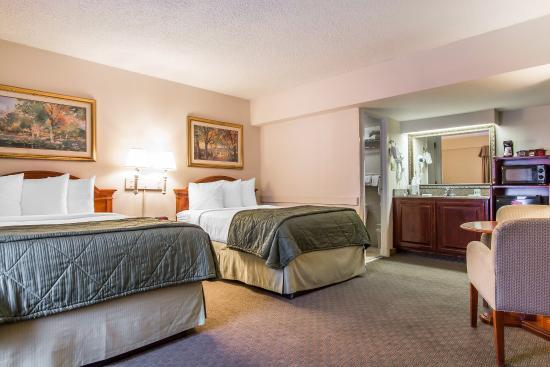 Quality Inn Savannah Historic District : Guest Room