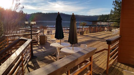 Bass Lake, Kalifornia: Suites lakeside patio